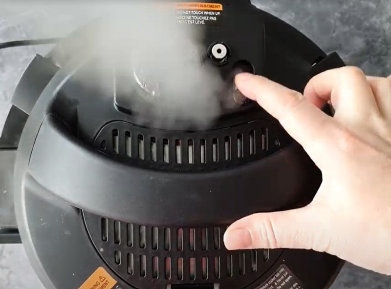 releasing pressure from an Instant Pot